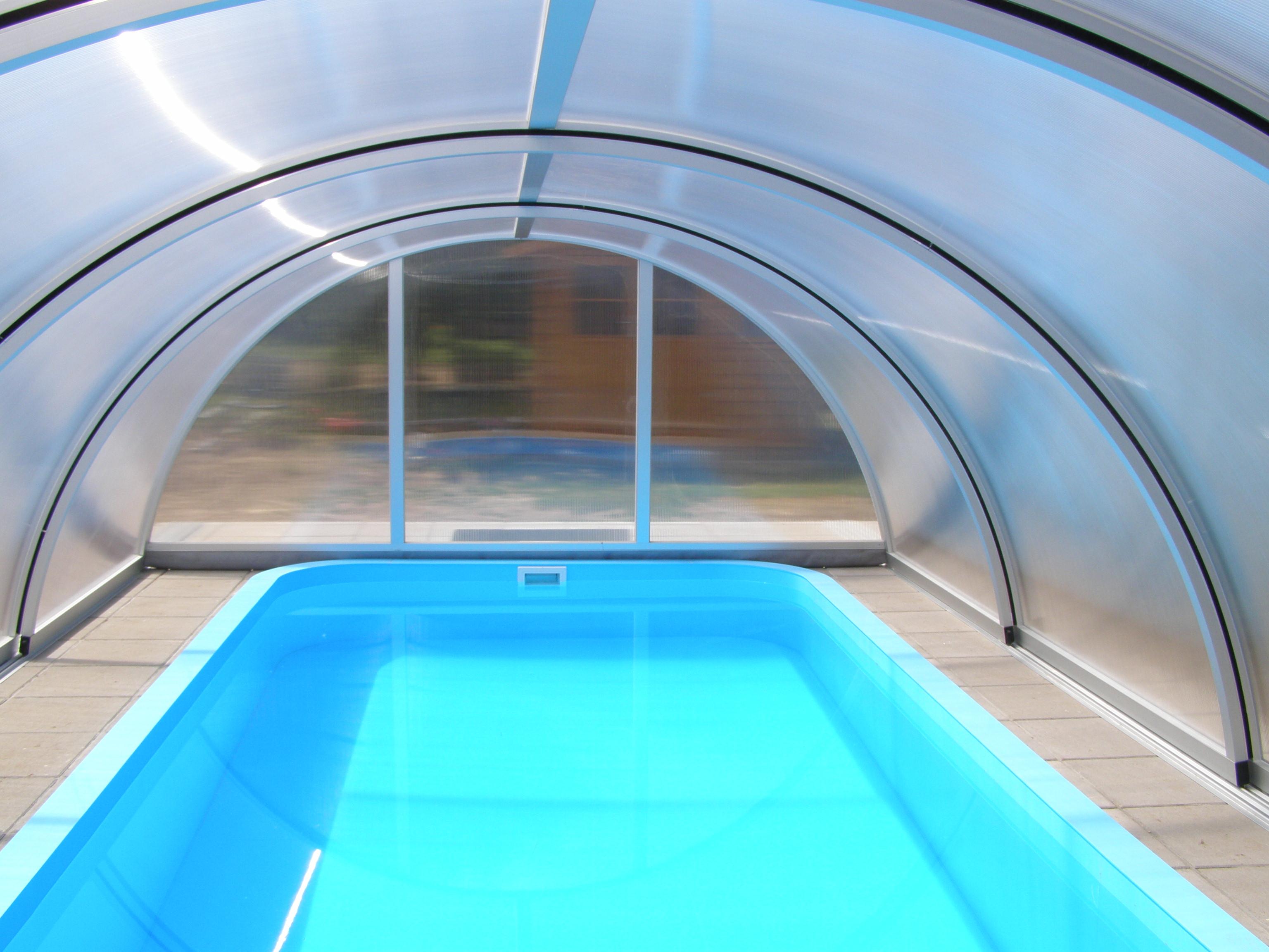 Gfk pool klein m gfk pool xx im set inkl lieferung with for Gartenpool mit rutsche